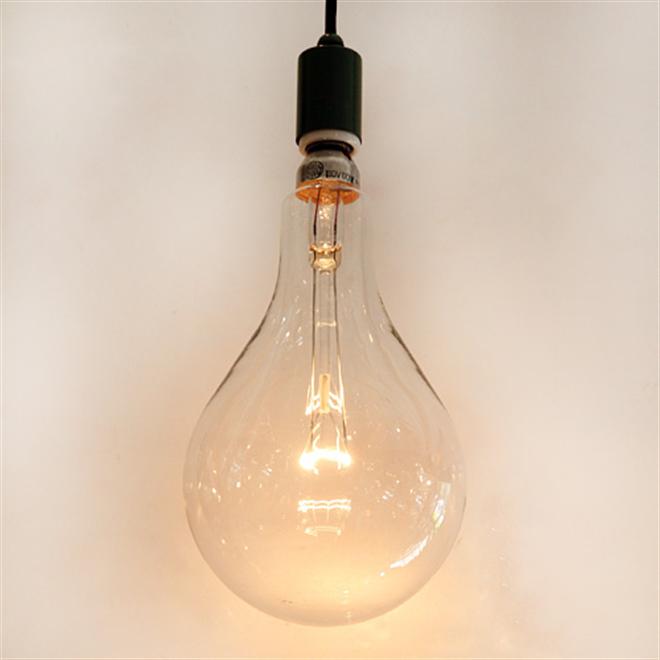 漁船で使用されている大きな電球 船舶用集魚灯電球002