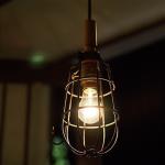 ガレージや作業用照明灯をイメージしたペンダントライト Hand lamp pendant