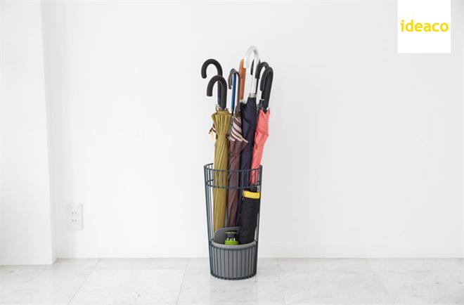普通の傘と折りたたみ傘を一緒に収納できる傘立て ideaco entasis002