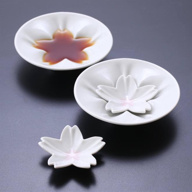 調味量を入れると咲く桜 さくらの形をした小皿 Age Design hiracle002