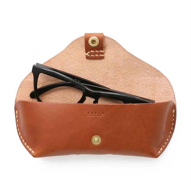 アウトラインが美しい革製のメガネケース DURAM FACTORY メガネケース006