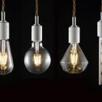 見た目はレトロで暖かな光、でもLEDで光る電球 LED SWAN BULB