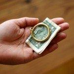 くるんと丸い真鍮のマネークリップ くるんと丸い真鍮のマネークリップ FORM × amabro Money Clip